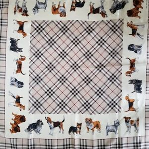 GORGEOUS AUTHENTIC BURBERRY SILK SQUARE SCARF